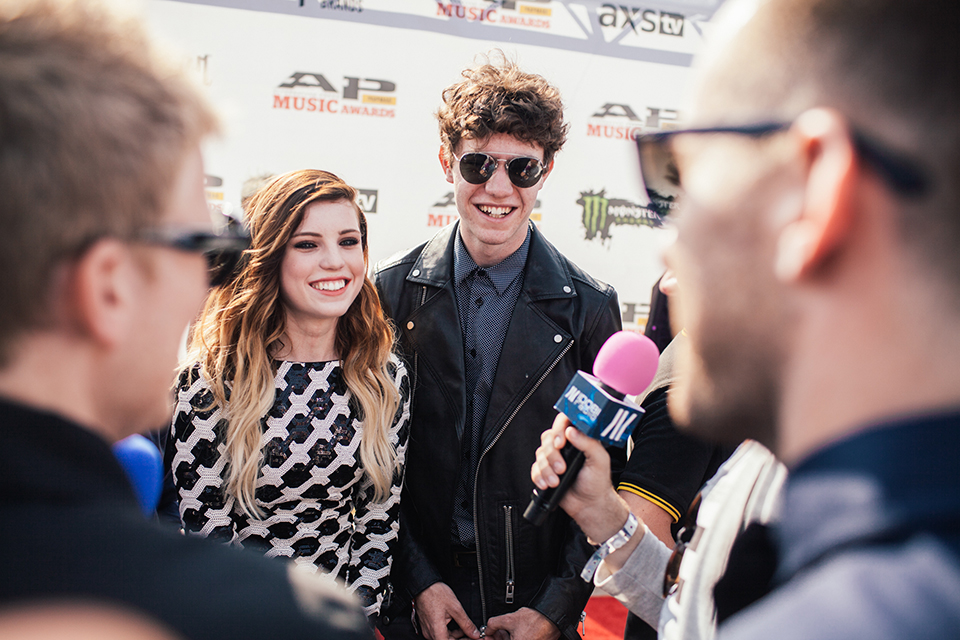 Noah and Sydney of Echosmith on the idobi Radio APMAs broadcast