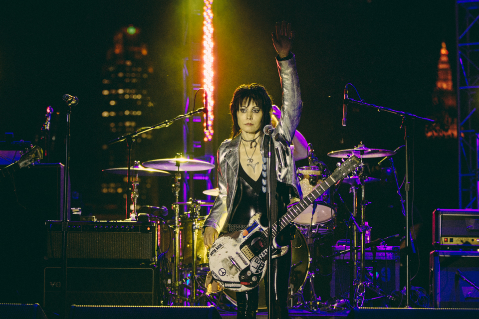 Joan Jett performing