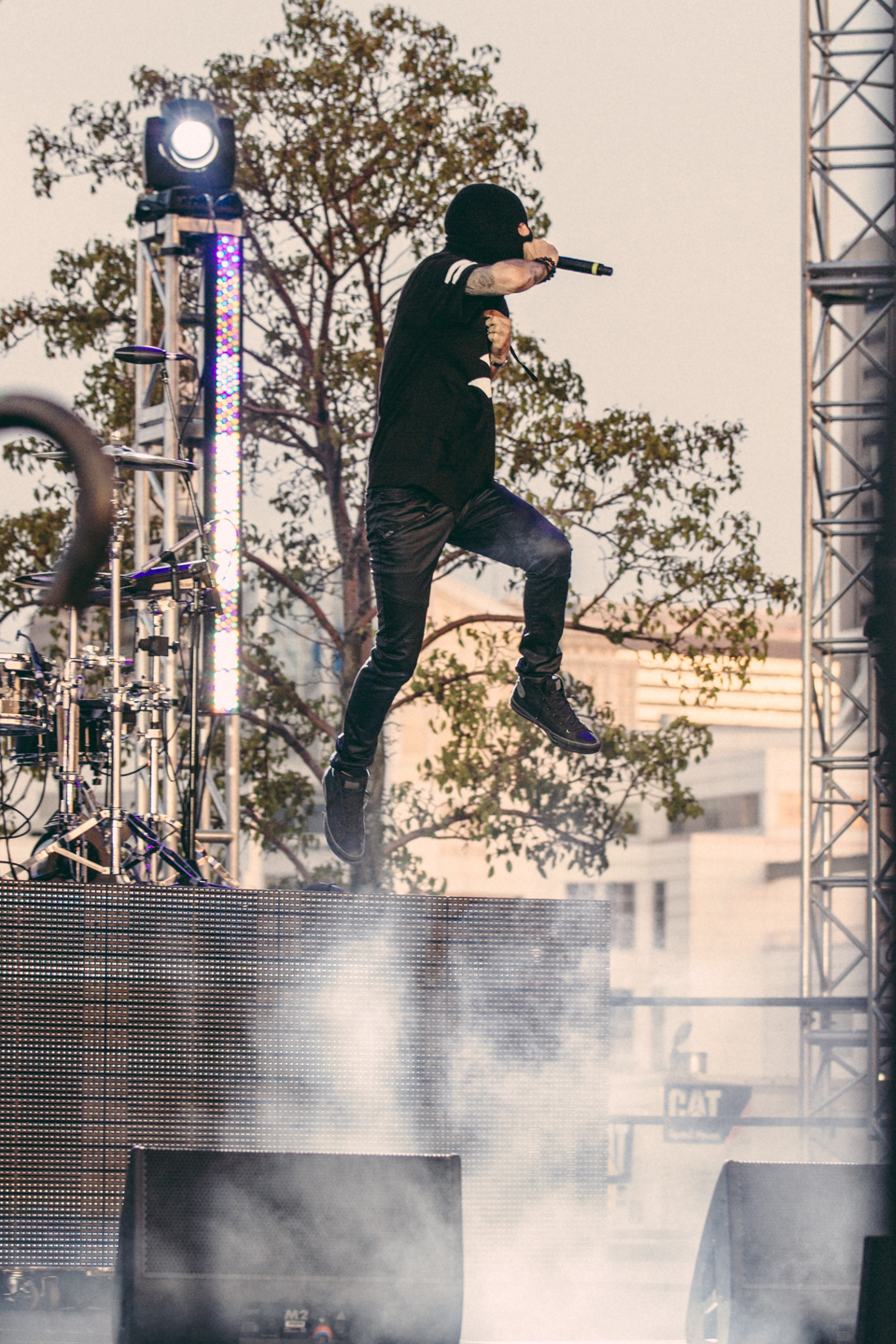 Michael Bohn (Issues) performing with Twenty One Pilots