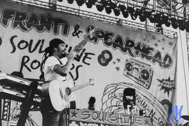 michael_franti_and_spearhead_11_07_2014_01