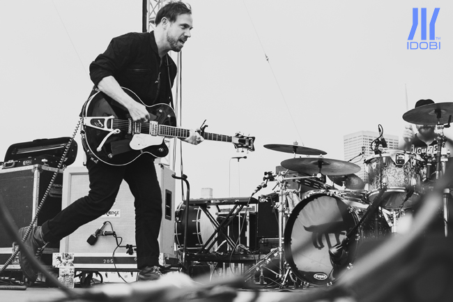 the_airborne_toxic_event_11_07_2014_01