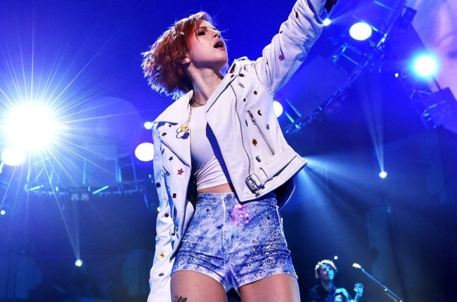 hayley-williams-paramore-iheartradio-2014-billbaord-650