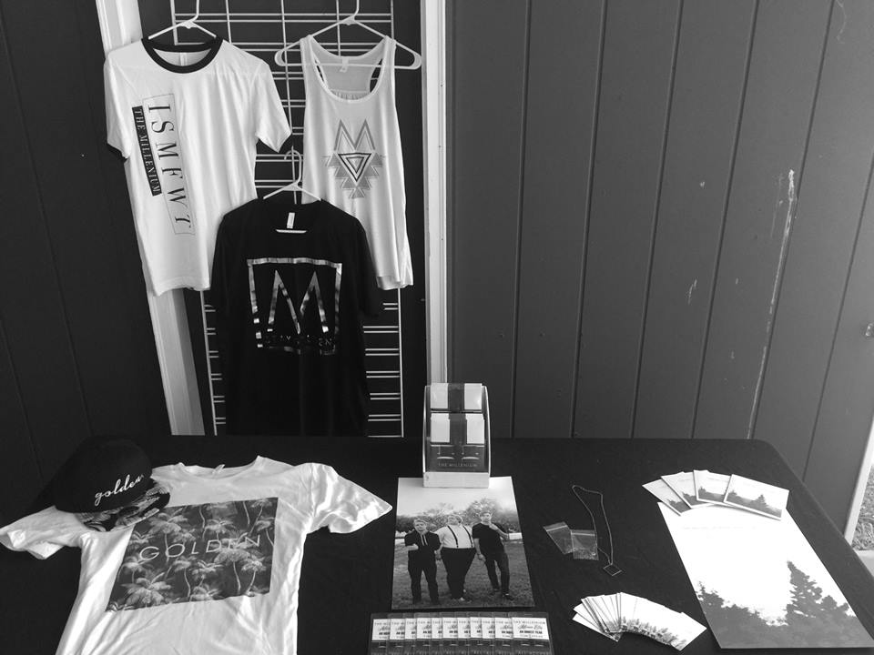 Merch_Table