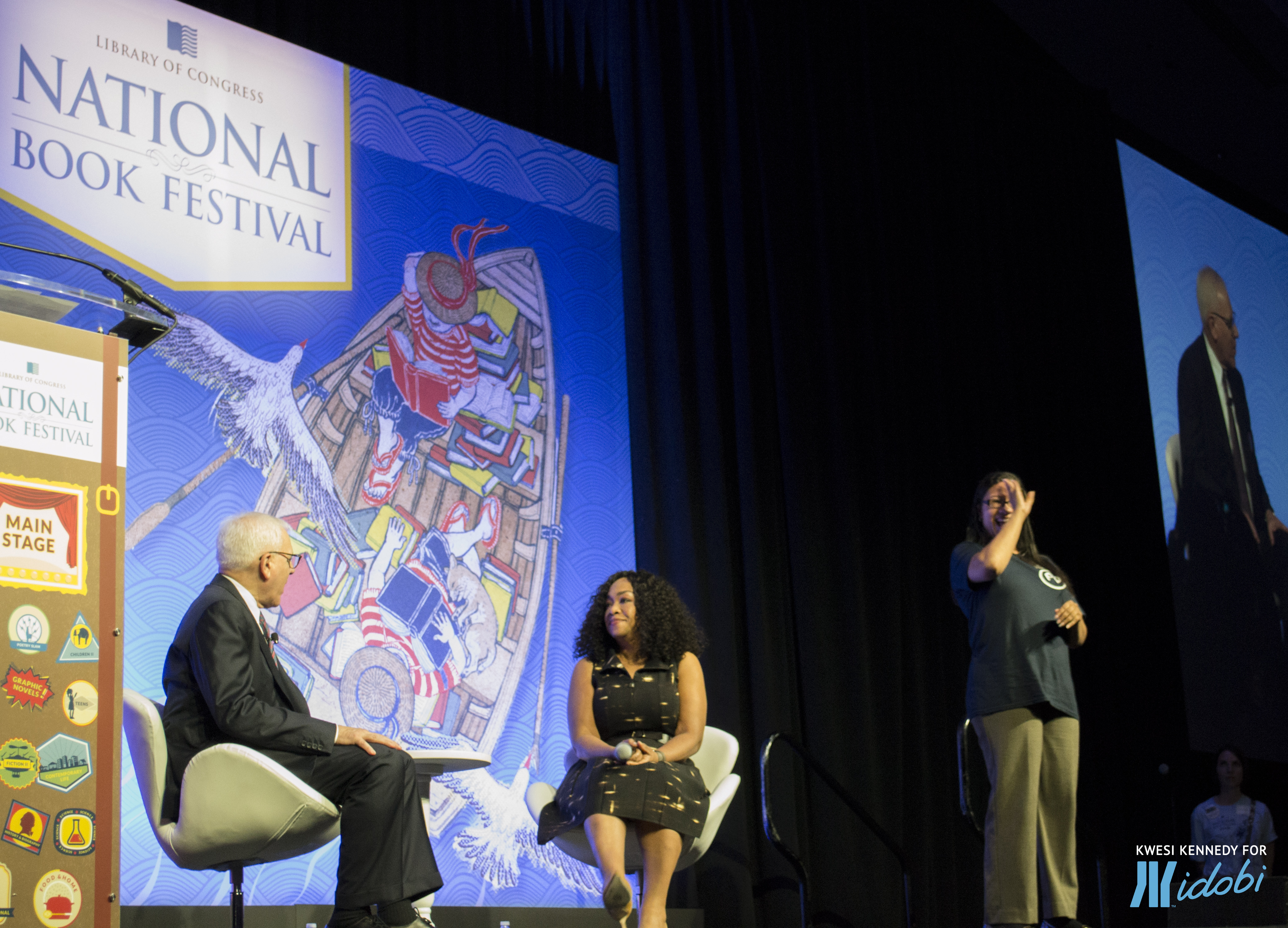 Shonda Rhimes at the National Book Festival in conversation with David M. Rubenstein, along with a fabulous ASL interpreter!