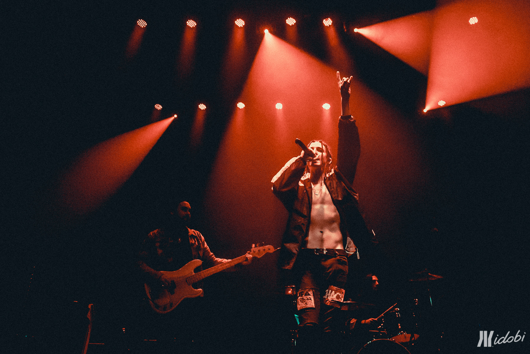 Photos Lights And Chase Atlantic In New York Idobi