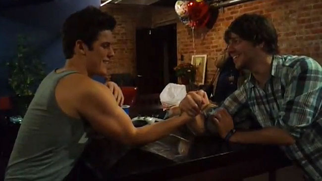 all-time-low-gunz-arm-wrestle-zack-merrick
