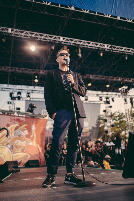 The APMAs host, Mark Hoppus