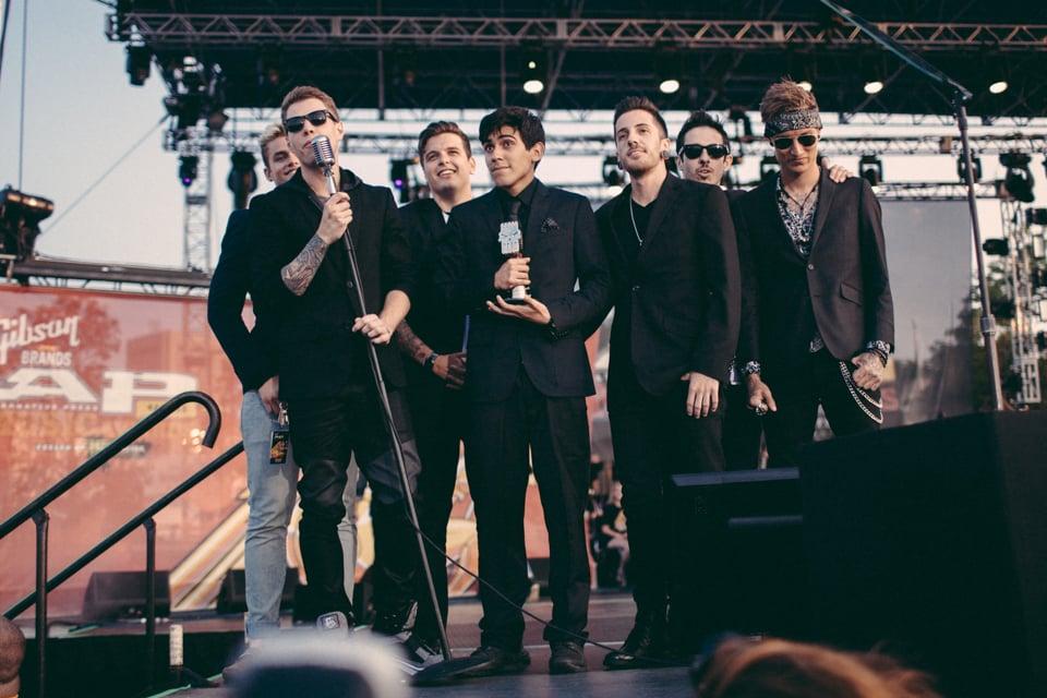 Crown The Empire accepting their Breakthrough Band award