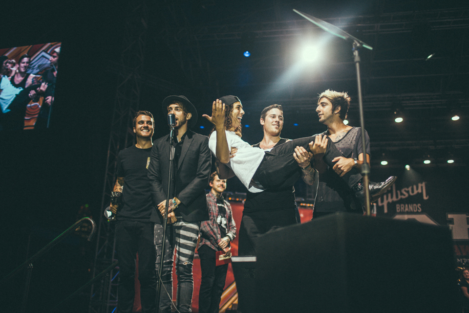 All Time Low and Vic Fuentes accepting their award for Song Of The Year